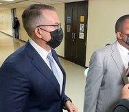 A la izquierda, Jerome Garffer junto a su abogado, Mario Moczó.