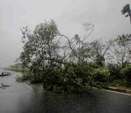 La tormenta avanzó hacia el este el jueves tras forzar la evacuación de gente en Kansas. (AP)