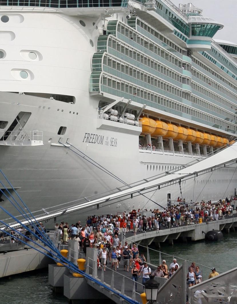 La cancelación de cruceros dejaría unos $44 millones menos en la economía, calculó el representante Ángel Matos. (GFR Media)