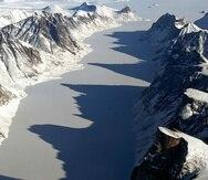En el archipiélago del ártico canadiense existen islas que son cubiertas con capas gigantescas de hielo como la isla de Baffin, considerada la quinta más grande del mundo (NASA).