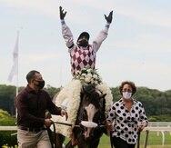 Manny Franco espera nuevamente lanzar las rosas en el Kentucky Derby, como hizo en junio en el Belmont Stakes.