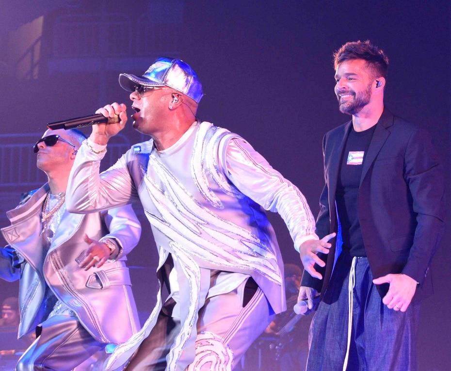 La participación de Ricky Martin fue la primera gran sorpresa que se llevó el público que asistió  al concierto.