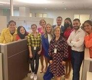 Parte del nuevo Departamento de Noticias de TeleOnce en su primer día de trabajo.