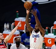 Kawhi Leonard y los Clipppers de Los Ángeles frenan a Washington