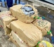 La Guardia Costera intercepta una embarcación con 816 libras de cocaína en la costa de Arecibo