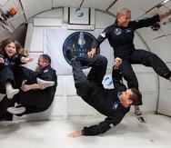Los miembros de su tripulación (i-d) Hayley Arceneaux, Christopher Sembroski, Jared Isaacman y la doctora Sian Proctor durante un entrenamiento en el Centro Espacial Kennedy.