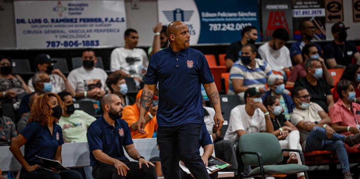 El dirigente de Santurce Larry Ayuso admite que la falta de altura en el equipo ha sido un problema para ganar partidos.