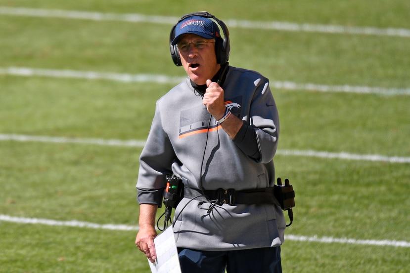 NFL multa a entrenadores por no usar cubrebocas