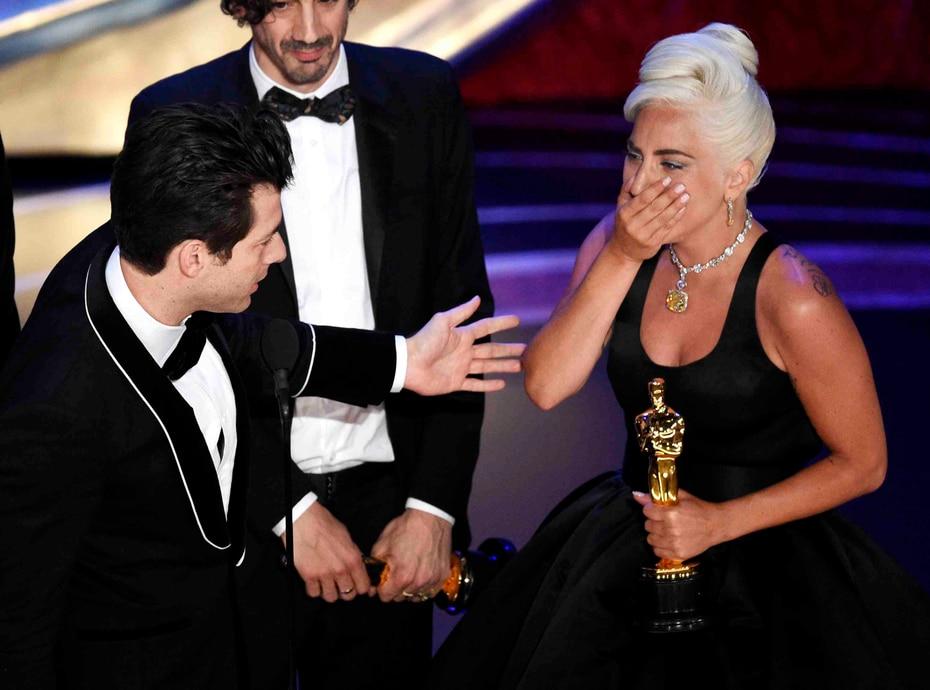"""Lady Gaga ganó su primer Oscar por la canción de la película """"A Star is Born""""."""