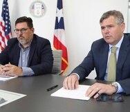 Aunque con visiones diferentes, Justin Peterson (derecha) y Antonio Medina, entienden que deben colaborar para garantizar que Puerto Rico tenga una economía sustentable aún al culminar el proceso de bancarrota.