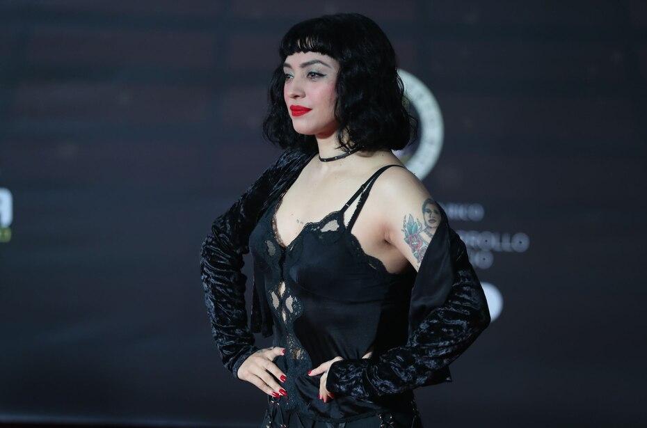 La cantante y actriz chilena Mon Laferte también hizo acto de presencia en la gala.