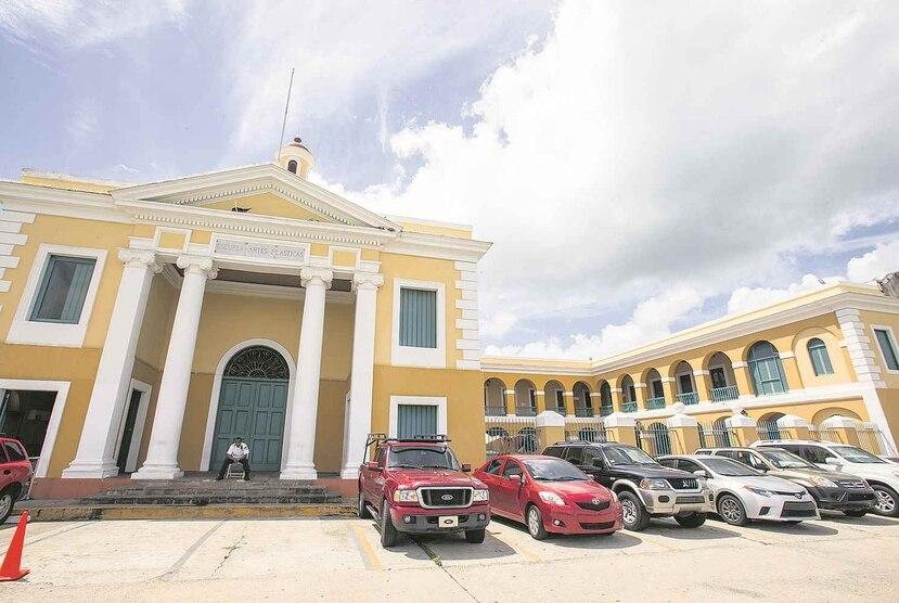 La semana pasada el gobernador justificó su decisión de destituir a la Junta de Directores alegando que esta no gozaba de su confianza. (GFR Media)