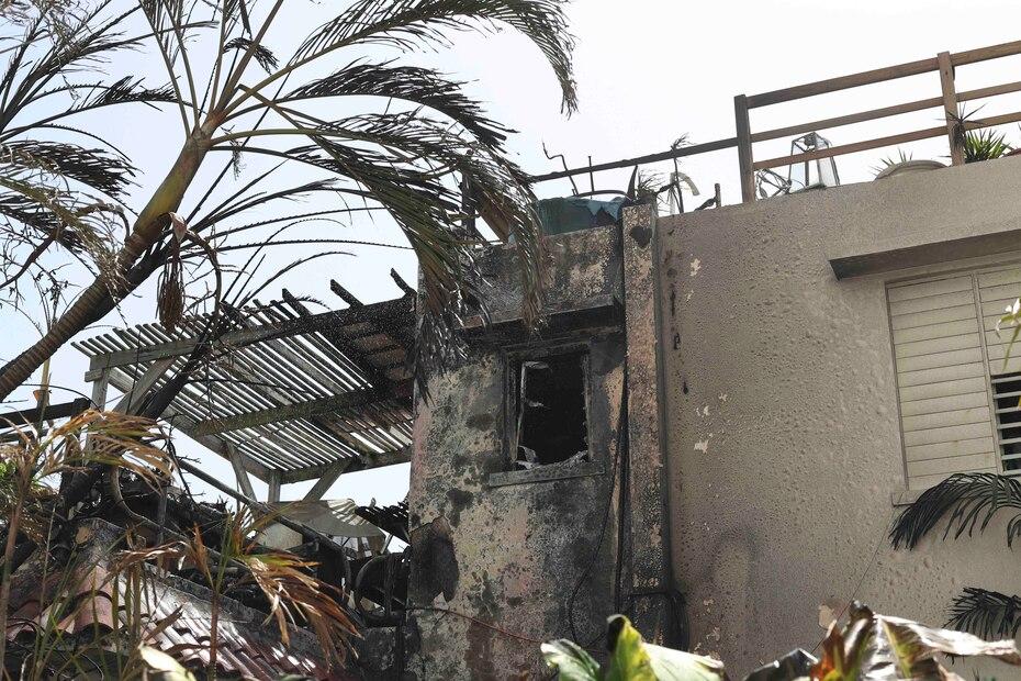 El fuego causó daños en más del 50 por ciento de la estructura, según estimó el Cuerpo de Bomberos.