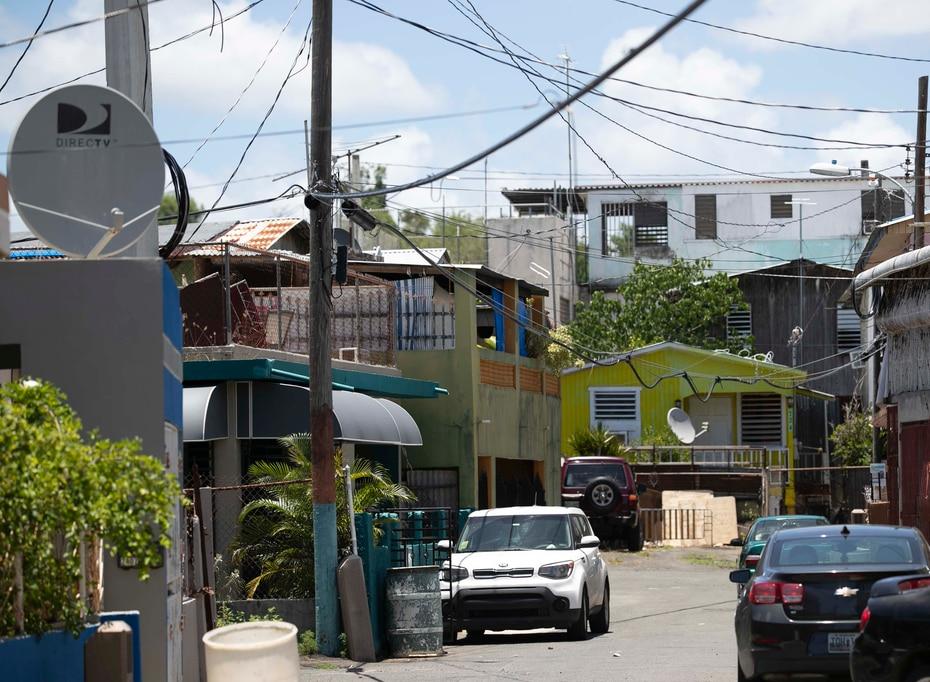 Los dueños de muchas de esas viviendas no recibieron ayuda de la Agencia Federal para el Manejo de Emergencias (FEMA) por carecer del título de propiedad.