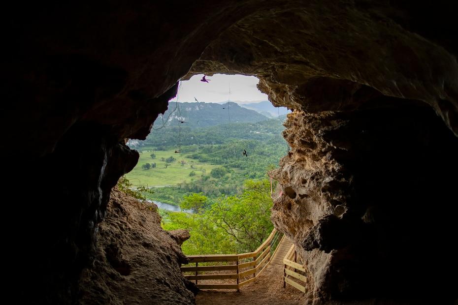 La estructura conecta con la Cueva León, una cueva con un alto valor ambiental y arqueológico.