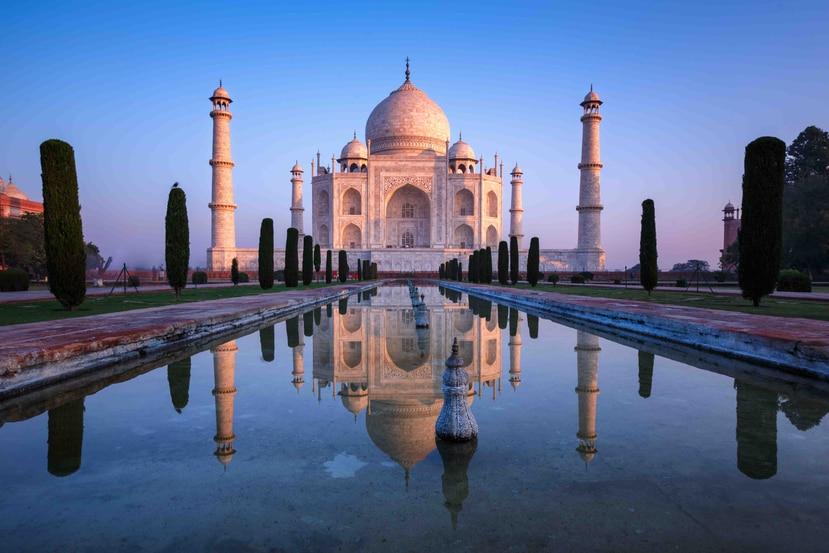 El Taj Mahal, siyuado en Agra, India, fue construido por el emperador Shah Jahan en honor a su esposa favorita.