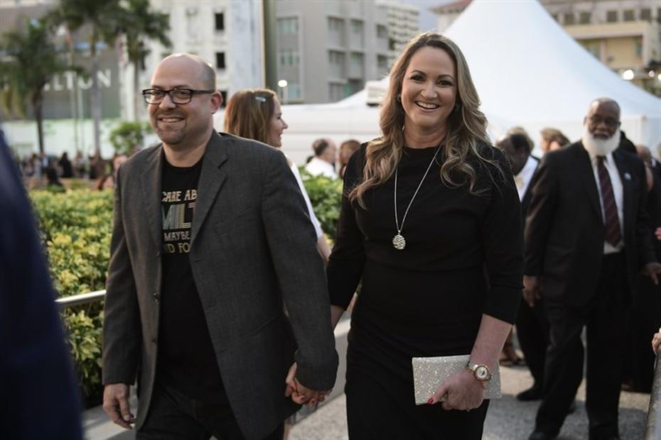 """Martorell está casada con el licenciado Cirilo """"Frankie"""" Cruz-Tejada y tiene dos hijas de 25 y 14 años."""