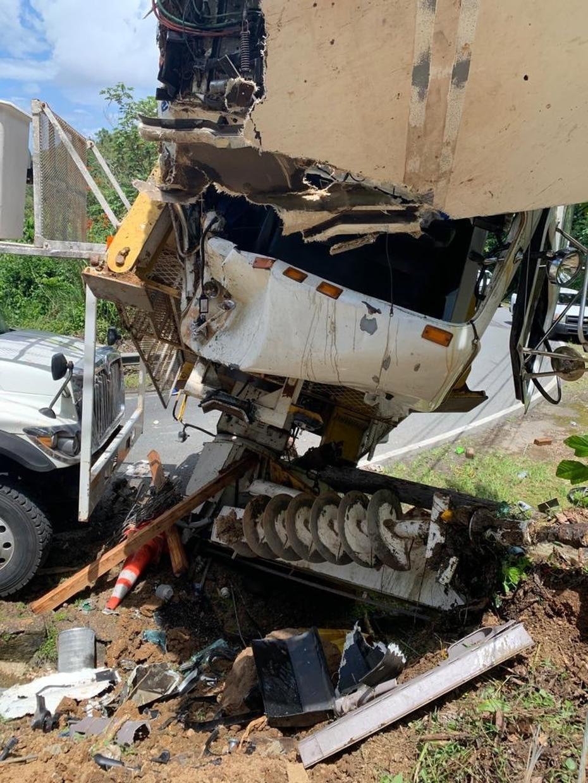 Los dos ocupantes del vehículo recibieron golpes en diferentes partes del cuerpo, pero permanecen en el Hospital Industrial en condición estable.