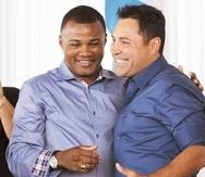 """Félix """"Tito"""" Trinidad y Oscar de la Hoya fueron exaltado al Salón de la Fama del Boxeo en la misma ceremonia en el 2014."""