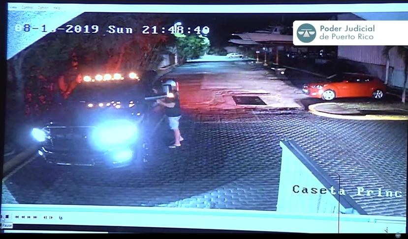 La guagua Dodge Ram de Jensen Medina Cardona fue captada por las cámaras de seguridad de Villa Marina en Fajardo.