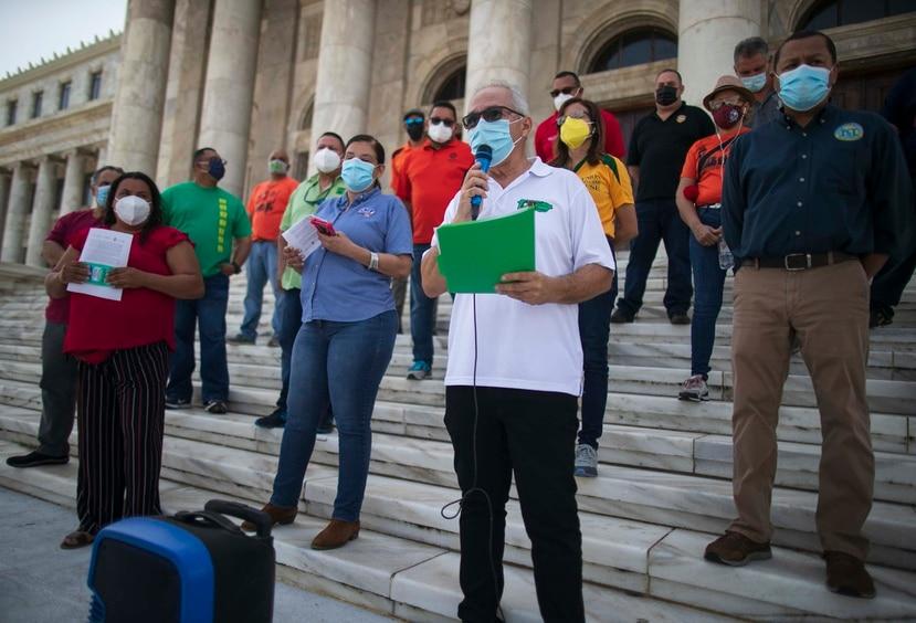 A principios de año, varias organizaciones que agrupan retirados y trabajadores del sector público, expresaron su apoyo al proyecto de la Cámara que Pierluisi convirtió en ley este miércoles.