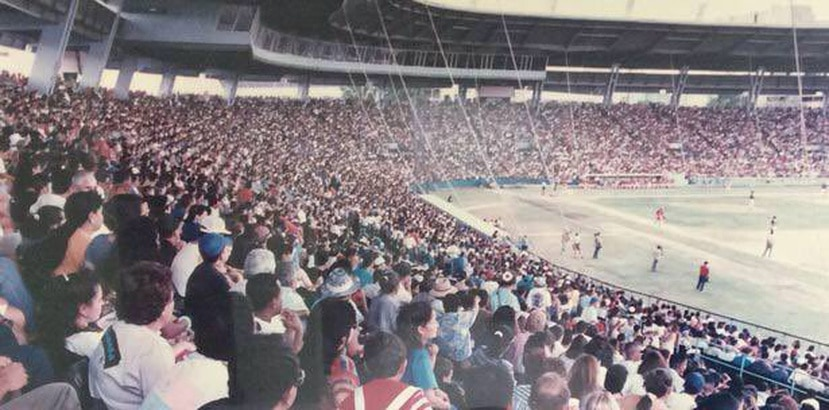 El estadio Juan Ramón Loubriel de Bayamón se llenó a capacidad en el séptimo juego. (Suministrada)