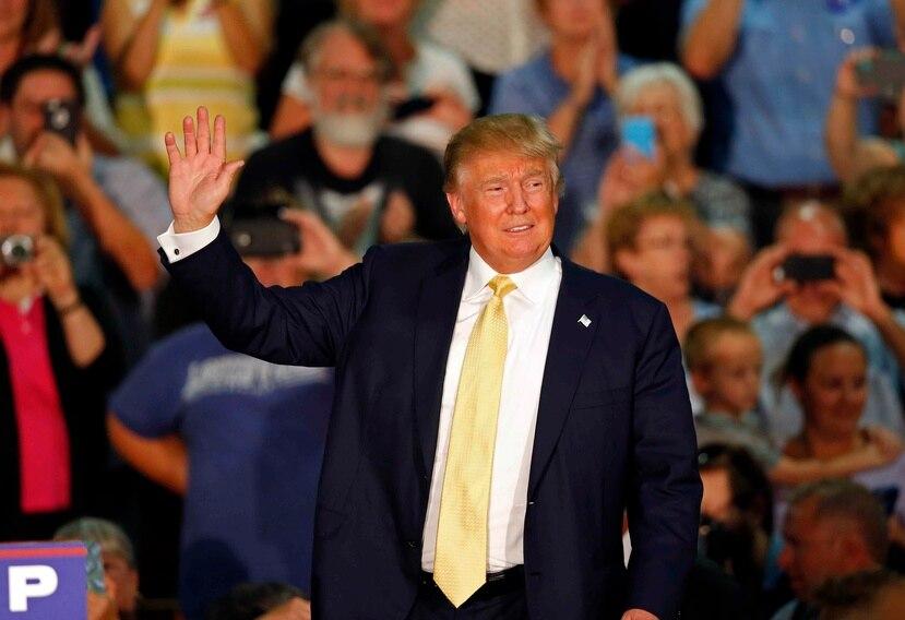 El miércoles Trump fue el centro de los ataques del resto de los precandidatos durante un  debate celebrado en California.(The Associated Press)