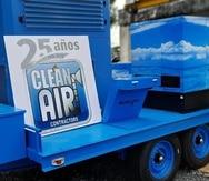 Las máquinas medianas de Watergen pueden transportarse para servir a más de una comunidad. Esta está ya en Puerto Rico para hacer demostraciones de cómo funciona.