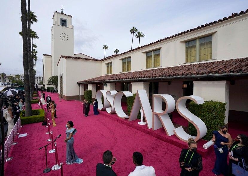 La alfombra roja en los Premios Oscar de del pasado domingo, 25 de abril en Union Station, Los Ángeles. (AP Photo/Mark Terrill, Pool)