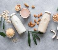 Las leches de origen vegetal son un agran opción para aquellas personas que sufren de intolerancia a la lactosa.