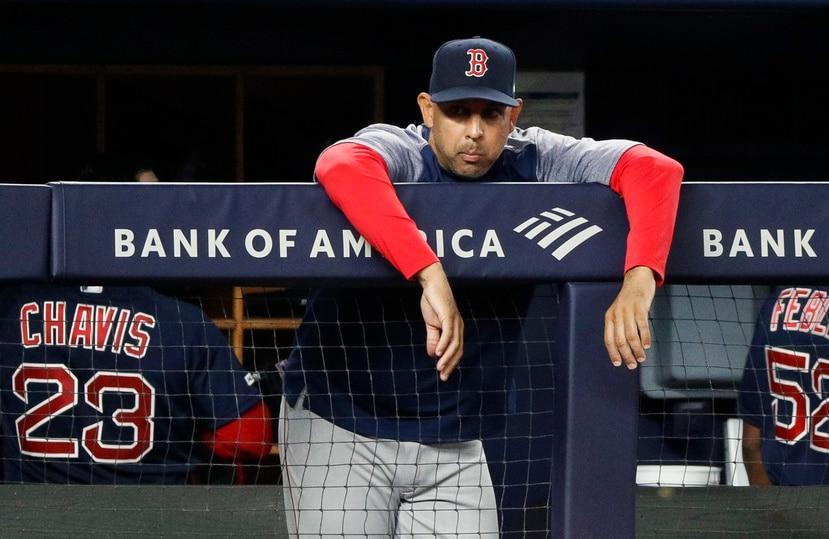 Ha trascendido que Alex Cora podría estar reuniéndose con la gerencia de los Red Sox tan pronto concluya la Serie Mundial.