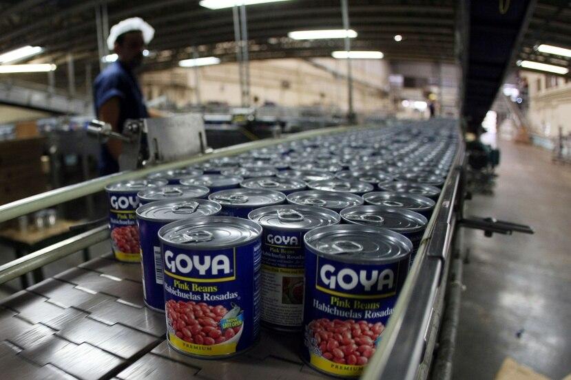 Goya Foods Estados Unidos enfrenta una ola de críticas y llamados a boicot luego de que el CEO, Robert Unanue, nieto de los fundadores, adulara al presidente Donald Trump en un evento en Casa Blanca.