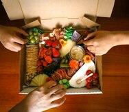 Una de las opciones de Gather Platter con  quesos, embutidos, salsas, vegetales, panes, frutos secos, nueces y aceitunas, entre otros productos. (Jessica Cristina Colón Rivera).