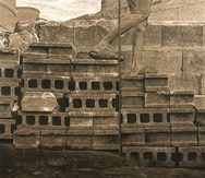 "Obra titulada ""Escaleras"" (2020), en madera tallada, tinta y carbón 4' x 4'."