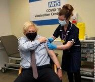 El gobierno británico ha asegurado un total de 457 millones de dosis de ocho vacunas distintas.