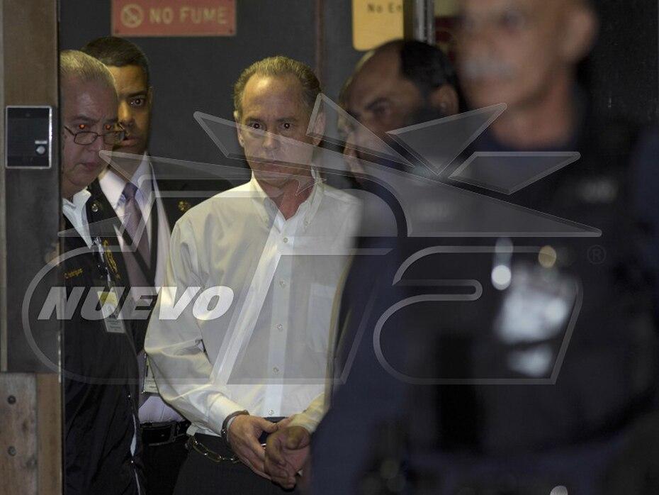 Secuencia de la salida de Pablo Casellas del Tribunal de Bayamón tras un jurado declararlo culpable del asesinato de su esposa Carmen Paredes el 14 de julio de 2012. (xavier.araujo@gfrmedia.com)