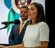 El gobernador Pedro R. Pierluisi, junto a la secretaria de la Familia y presidenta del Comite PARE, Carmen Ana Gonzalez Magaz.