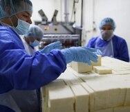 El queso blanco del país Indulac está siendo exportado a los mercados de Nueva York y Florida.