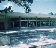 Edificio original de la Librería de la UPR, diseñado por Henry Klumb