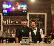 En la foto Wilfredo Corsino y Jose Rodriguez, del restaurante Bigotes.