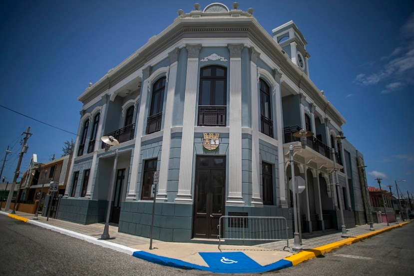 La Antigua Alcaldía, es hoy día el Museo de Arte e Historia de Guánica Don Pedro Juan Vargas.