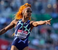En foto del 19 de junio del 2021 Sha'Carri Richardson celebra tras ganar la semifinal de los 100 metros en la clasificación olímpica de Estados Unidos. El martes 6 de julio del 2021, USA Track and Field deja fuera a Richardson de la lista olímpica y no podrá participar en el relevo 4x100.
