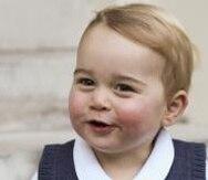Tiernas fotos del pequeño príncipe Jorge