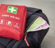 En la mochila de emergencia no debe de faltar mascarillas para protegerte contra el COVID-19.