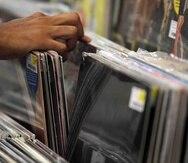 """La venta de discos, así como el consumo de """"streaming"""" ha disminuido durante la pandemia, según reflejan varios informes.  (Archivo)"""
