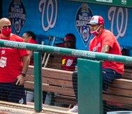 Dave Martinez (derecha) junto al gerente general de los Nationals Mike Rizzo el pasado agosto.