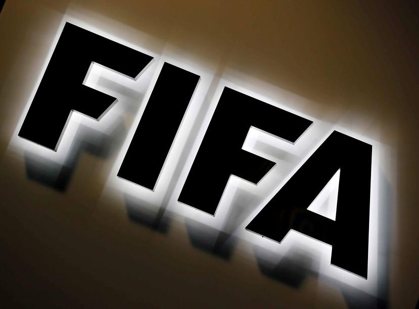 La suspensión de cinco años de Sediqi Rustam y multa de 10,000 francos suizos ($10,125) son las mismas sanciones que la FIFA impuso en octubre contra Sayed Aghazada. (AP / Michael Probst)