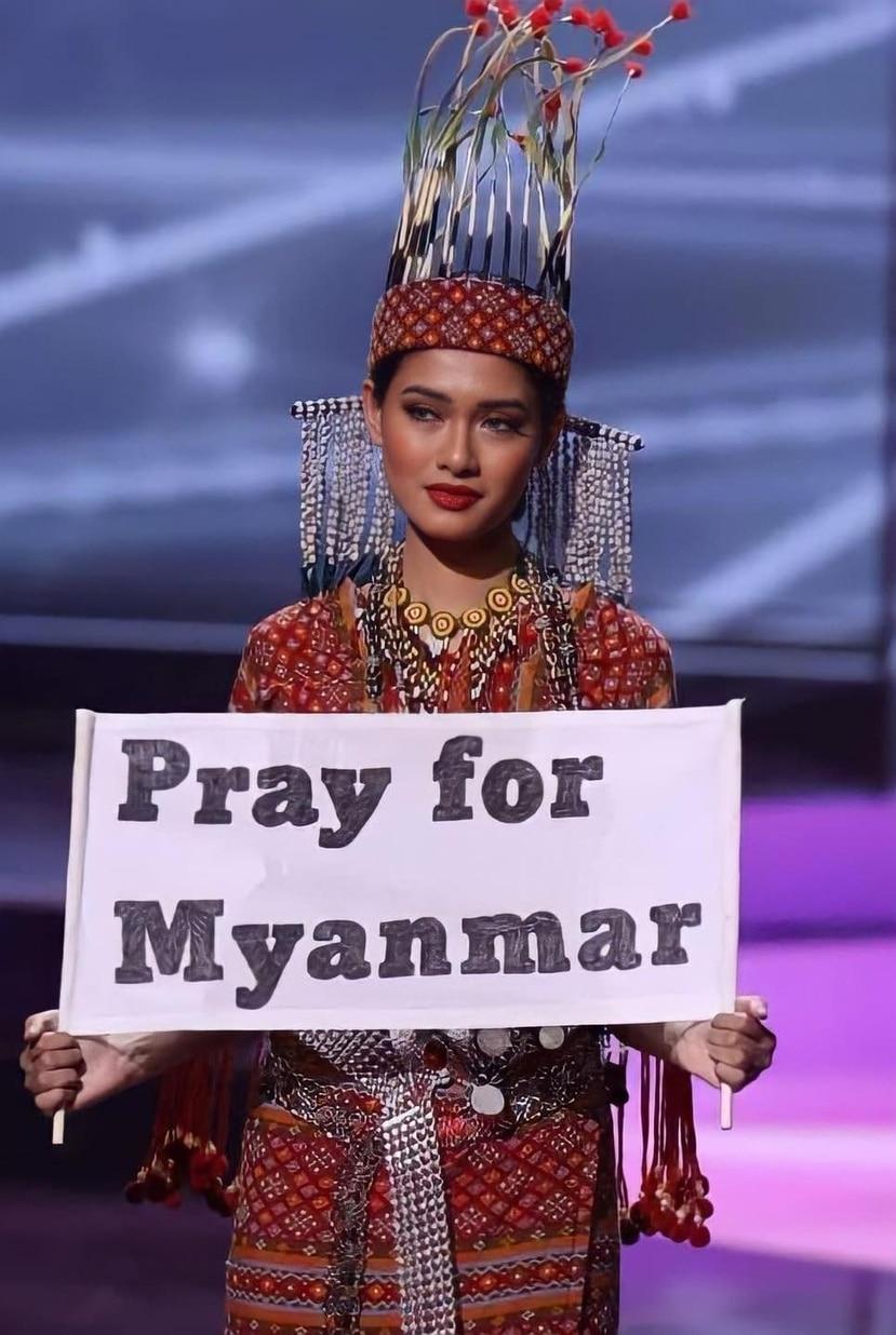 Thuzar Wint Lwin ganó el premio al mejor traje típico, inspirado en el atuendo traducional de la etnia Chin, a la que ella pertenece.