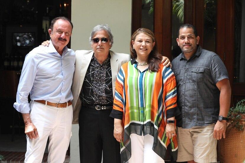 Desde la izquierda, Sol Trujillo, presidente de Trujillo Group; Raúl Alarcón, CEO de Spanish Broadcasting System; Ana Valdez, presidenta ejecutiva de Latino Donor Collaborative; y Marcos Torres, director general de RBC Capital Markets.
