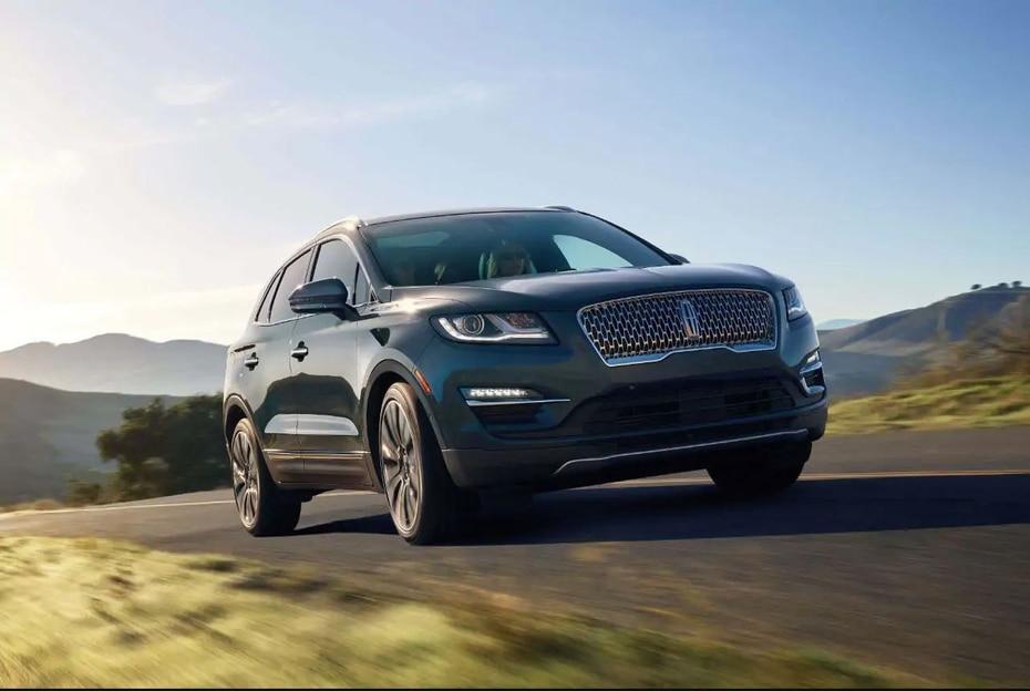 Lincoln MKX |La MKX, aunque todavía viste su modelo del 2018, sigue dando de qué hablar a finales del 2019, ya que ha sido el modelo más popular de la marca este año. (Lincoln.com)